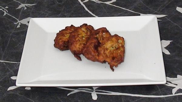 buñuelos de calabacín y queso feta